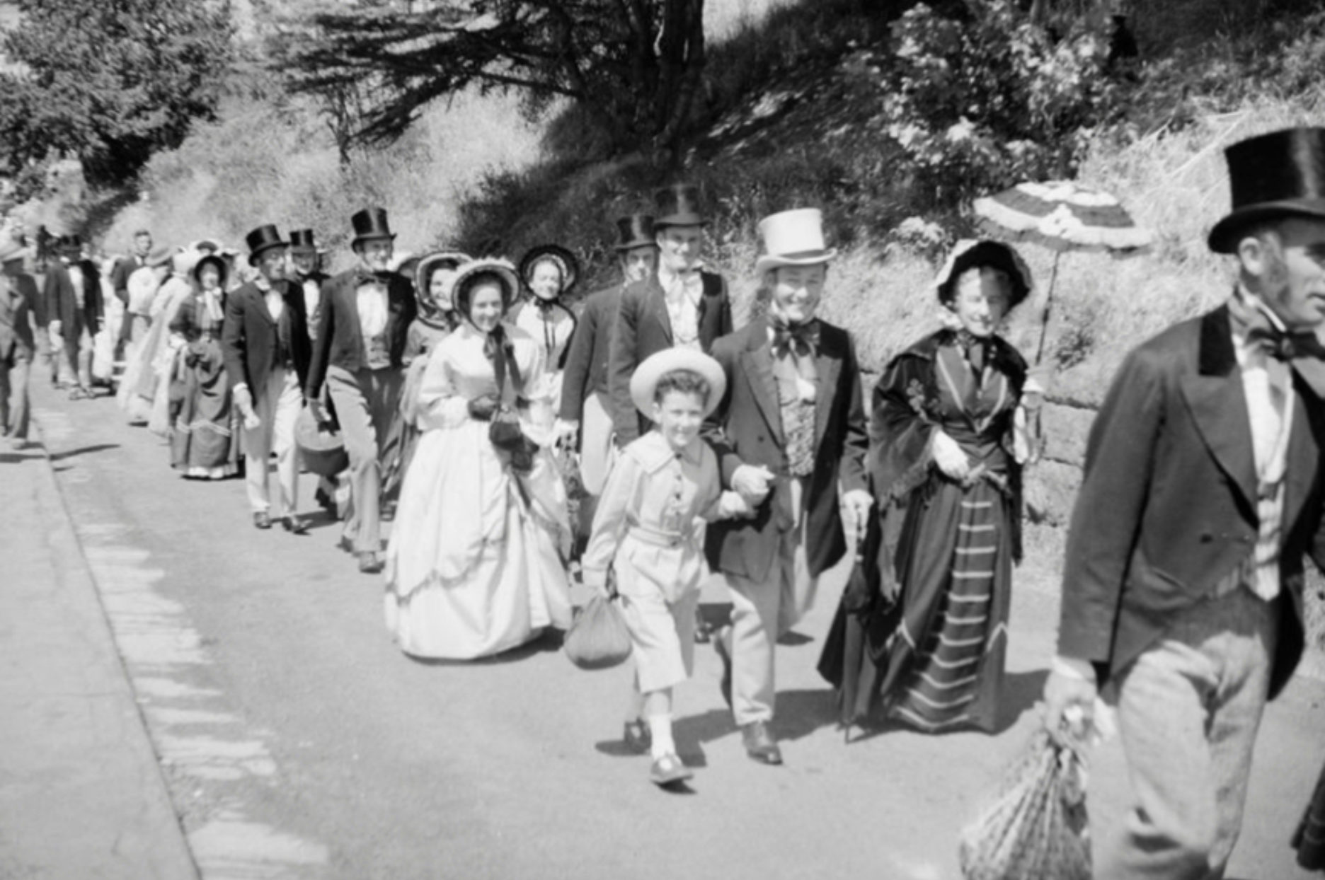 Re-enactment of the first settlers arriving in Lyttelton, 1950 - 13863.1