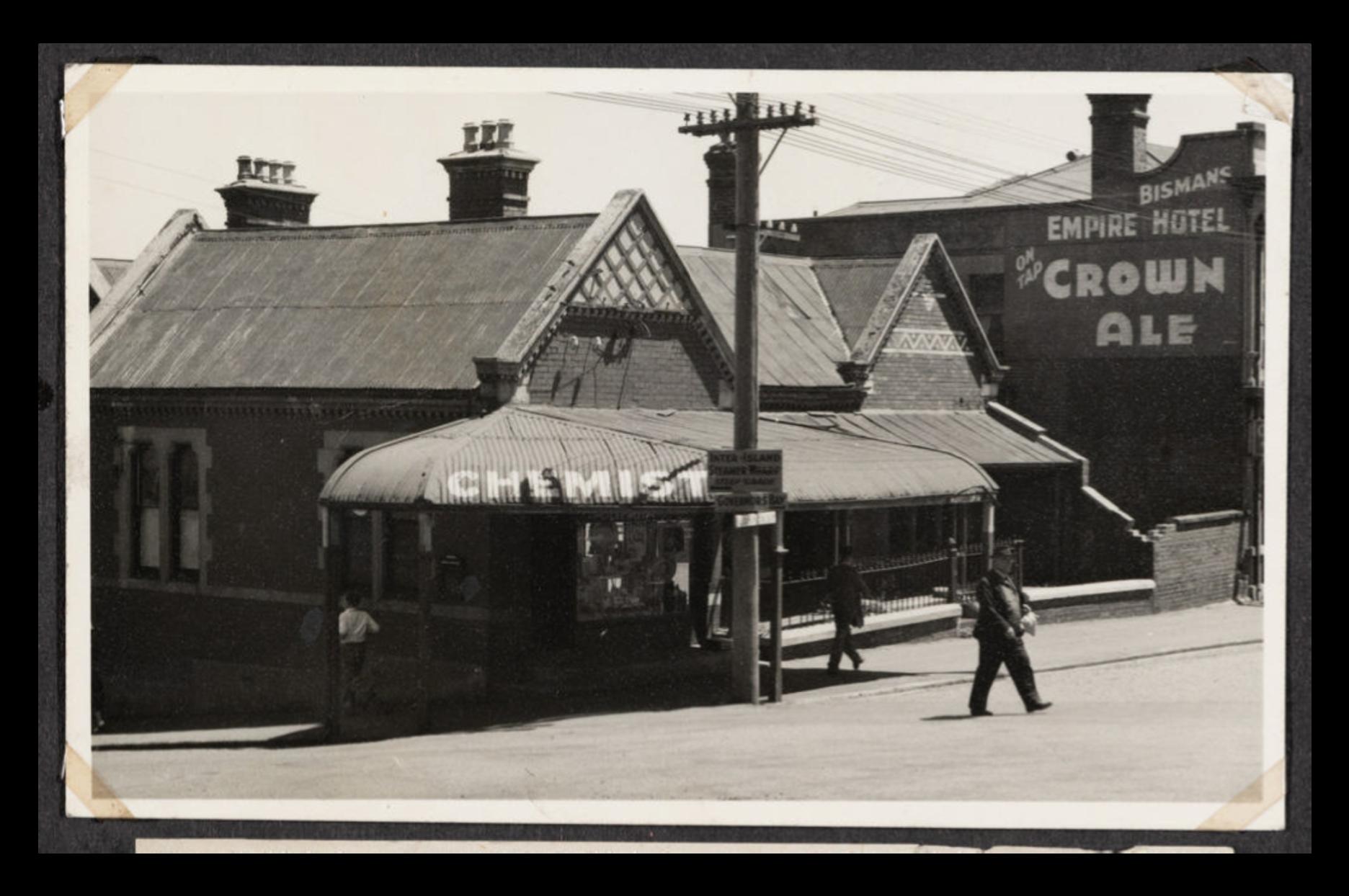 14625 181 Collett's Corner, and D.E.L. Chemist, corner of Oxford and London Streets.
