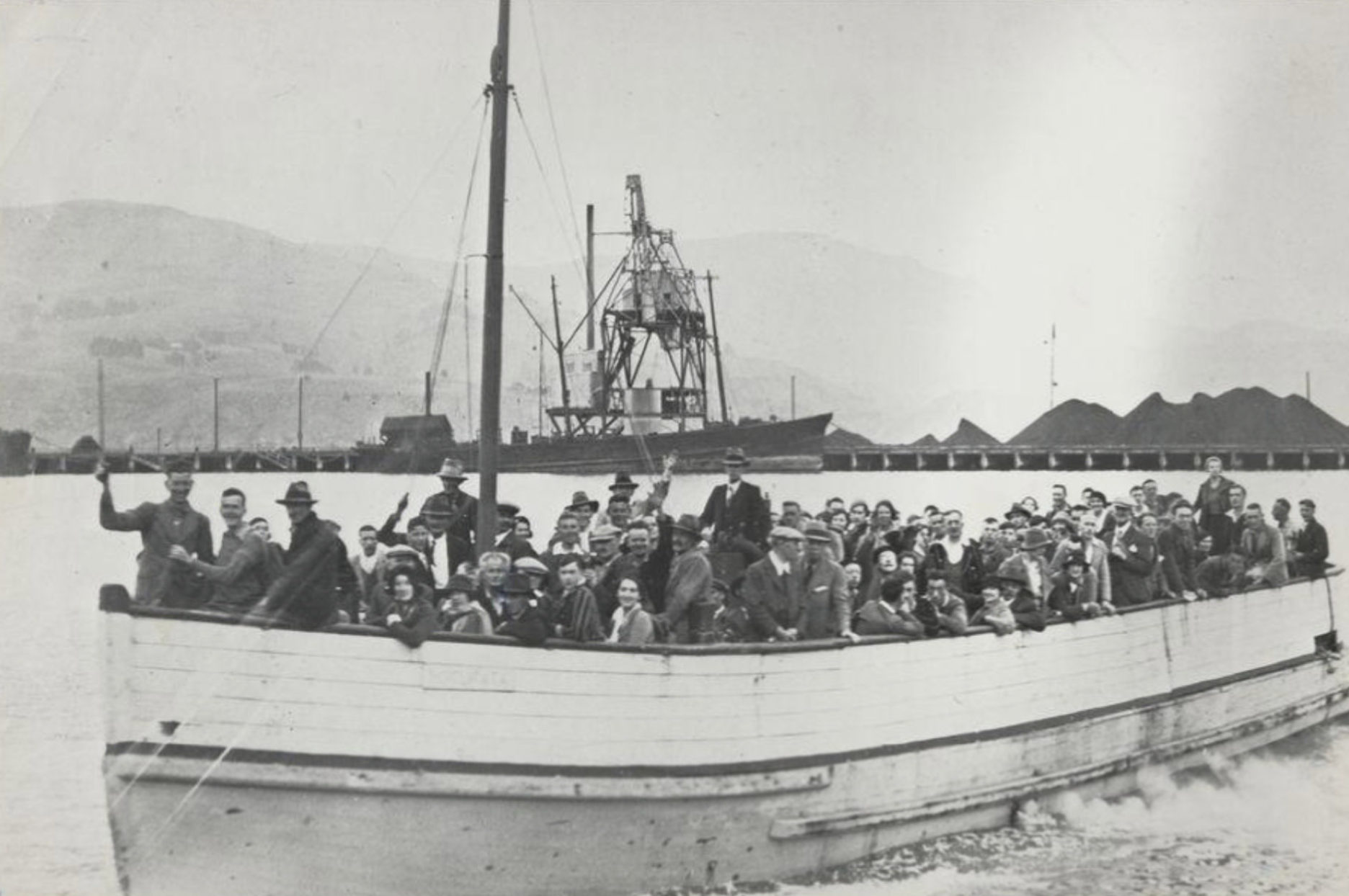 Two unidentified ships in Lyttelton Port - 14843.1