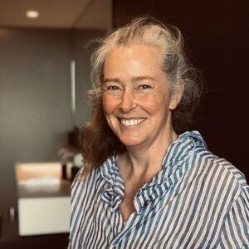 Helen Cobbphoto